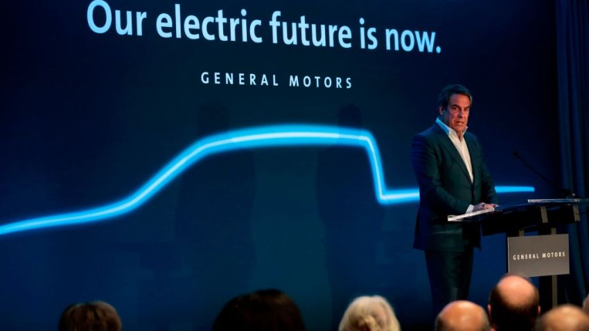 Mark Reuss, presidente de General Motors, habla en su planta de ensamblaje Detroit-Hamtramck el 27 de enero de 2020 en Detroit, Michigan.