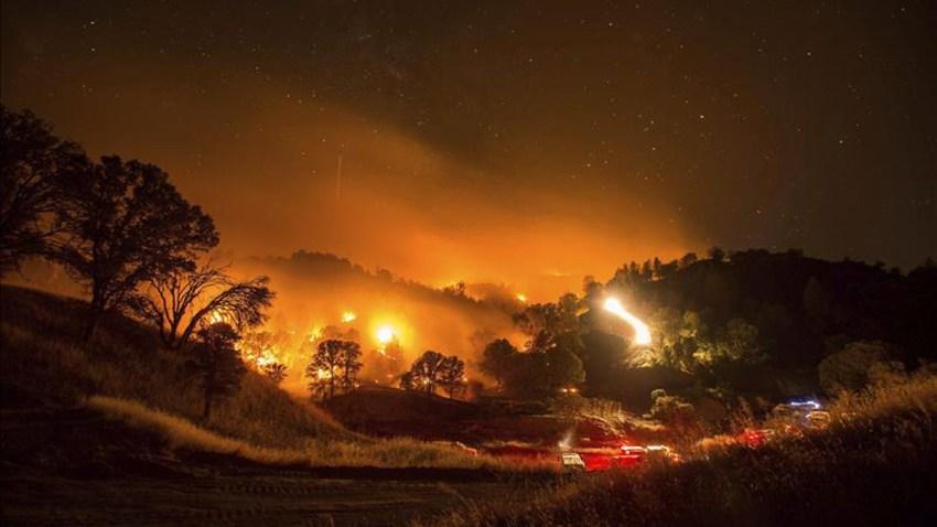 california-incendios-evacua
