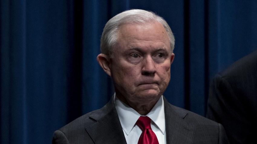 Jeff Sessions en una fotografía de archivo del 2018 cuando era fiscal general de Estados Unidos.