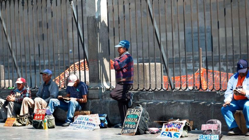 Desempleados buscan alguna contratación