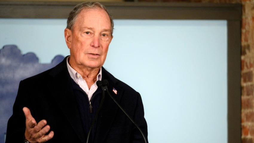 El exalcalde Mike Bloomberg