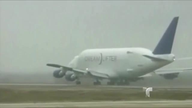 tlmd_avion_aeropuerto_equivocado