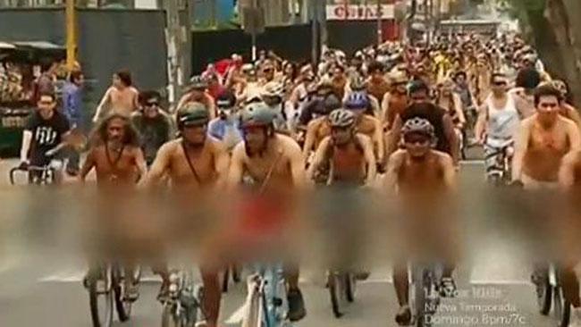 tlmd_ciclistas_desnudos_ok