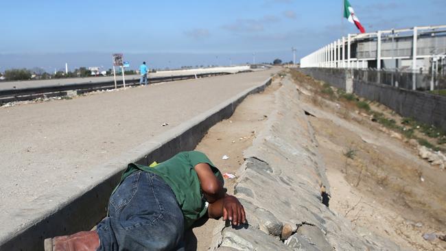 tlmd_inmigracion_frontera_abandono