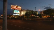 Sams_Town_noche