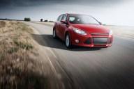 Ford-Focus-Retiro-Aviso-1-shutterstock_305711168