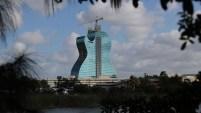 El primer hotel con forma de guitarra en el mundo será inagurado pronto en el Seminole Hard Rock Hotel y Casino en Hollywood, Florida, el próximo...