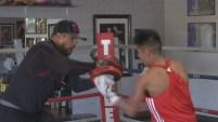 El hijo de un exboxeador campeón mundial destaca en el deporte desde muy joven.