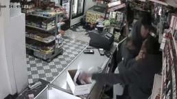 Captados cuando golpean y roban tienda en North Las Vegas
