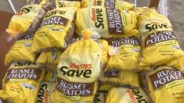 Organización benéfica recibe donación anónima de 20 mil libras de papas