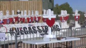 La ayuda continúa a dos meses de la masacre en Las Vegas