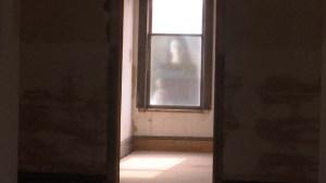 """Madre y recién nacido muertos """"rondan"""" pasillos de hotel"""