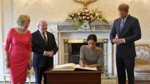 Cambio total, qué revela la firma renovada de Meghan como duquesa