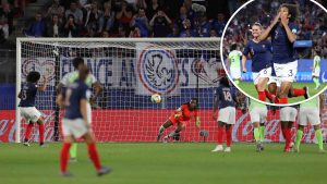 Francia gana y cierra su grupo con puntaje perfecto