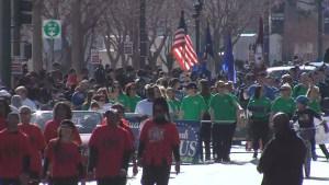 Miles de personas asisten a desfile de MLK en Las Vegas