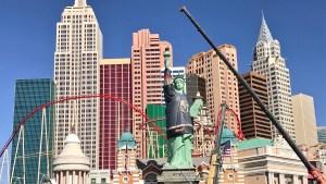 Visten a la estatua de la libertad en Las Vegas