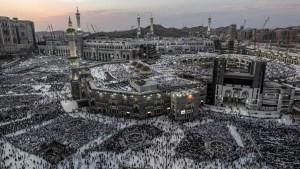 Musulmanes inician impresionante peregrinaje a La Meca