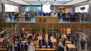 Se disfrazan de empleados de Apple y roban iPhones