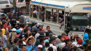 Más de 1,700 avanzan por Guatemala en la caravana