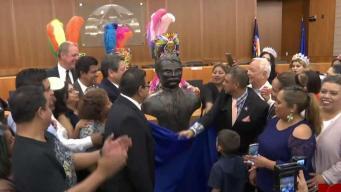 Develan primer busto en el país de Emiliano Zapata en North Las Vegas