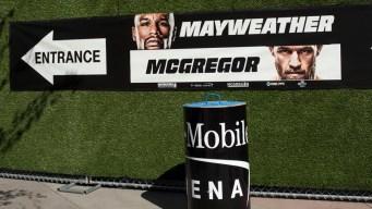 """McGregor se alegra que su """"hijo"""" se mantenga en el retiro"""