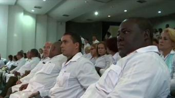 """Médicos cubanos en misiones son """"esclavos modernos"""""""