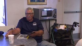 Roban silla de ruedas a veterano sin hogar de Henderson