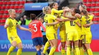 Suecia derrota a Chile 2-0 con una ráfaga de goles