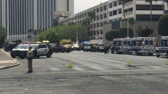 Policía: hombre armado provoca cierre cerca del Strip