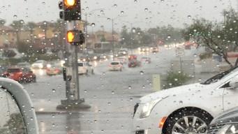 Inundaciones y vuelos retrasados por lluvias