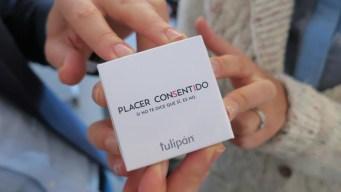 Placer consentido, el condón que se abre con 4 manos