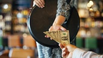 Aumento de salario mínimo a un paso más cerca