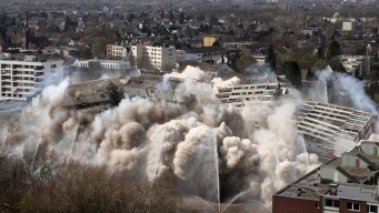 En video: vuelan con explosivos un inmenso edificio
