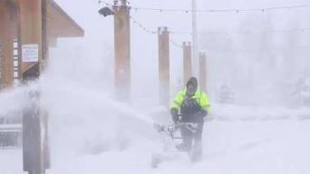 Tormenta invernal causa estragos en el noroeste de EEUU