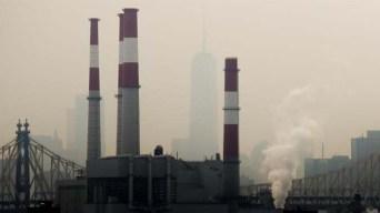 Estudio: hispanos respiran contaminación que no generan