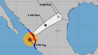 México comienza a sentir los efectos del huracán Willa