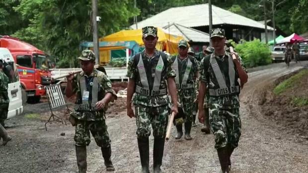 Tailandia acelera labor para sacar a atrapados en cueva