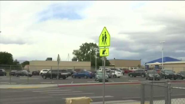 [TLMD - LV] Padres preocupados por hombre merodeando primaria de Las Vegas