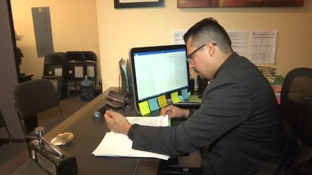 Asambleísta hispano de Nevada trabaja para todos los inmigrantes