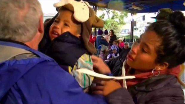 [TLMD - SD] Familia migrante se despide de San Diego