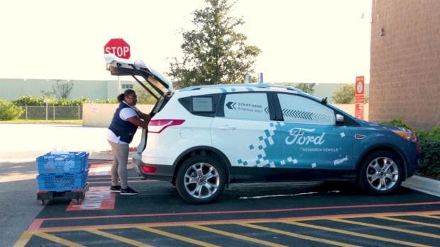 [TLMD - NATL] Ford y Walmart lanza servicio de envío con auto sin chofer