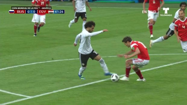[World Cup 2018 PUBLISHED] ¡Se va apenas desviado! Avisa Mohamed Salah con potente disparo