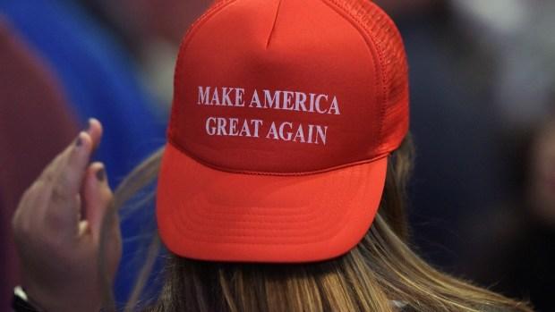 [TLMD - LV] Le quitan título Ms. Nevada a seguidora de Trump