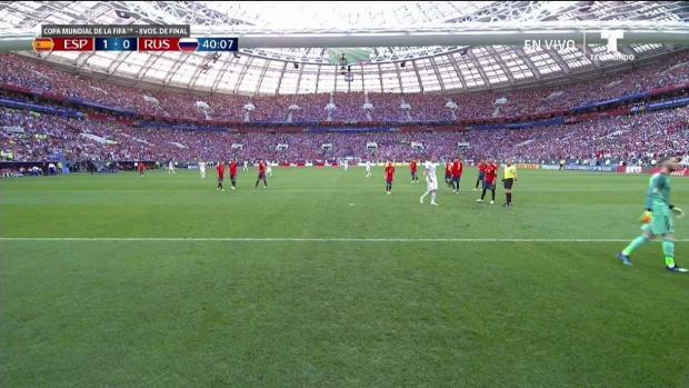 Sergei Ignashevich cobra penal e iguala un vibrante partido con España.