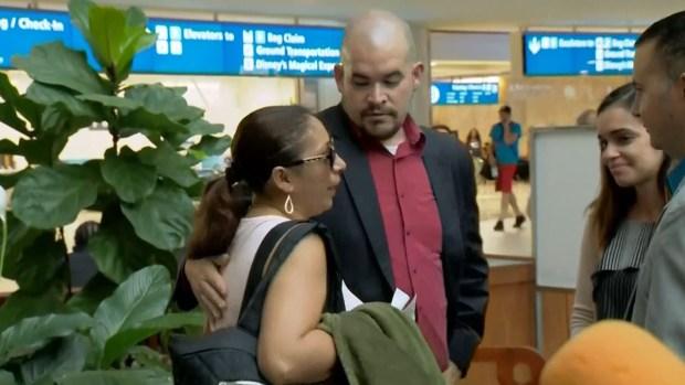 Deportan a México a esposa de veterano tras 20 años en EEUU