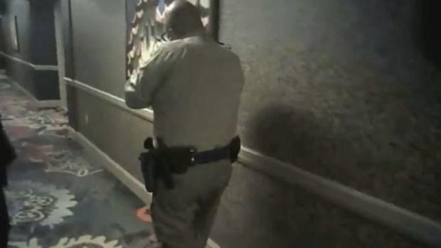 [TLMD - LV] Despiden a oficial de la policía por acciones tras masacre