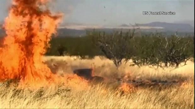 [TLMD - LV] Explosión durante fiesta causa incendio forestal en Arizona