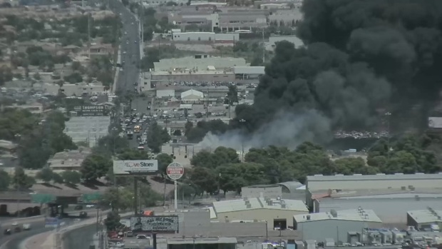 [TLMD - LV] Incendio en North Las Vegas se ve alrededor del valle
