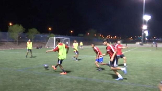[TLMD - LV] Jóvenes de Las Vegas buscan sobresalir en liga de fútbol