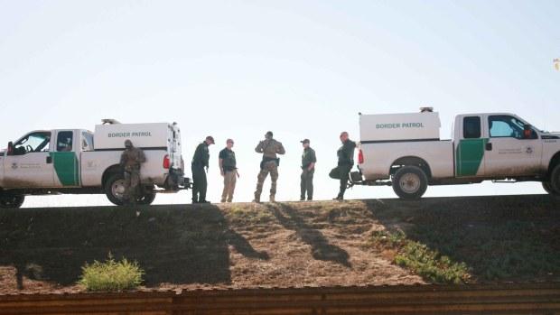 [TLMD - SD] Patrulla Fronteriza abre plazas para lidiar con migrantes